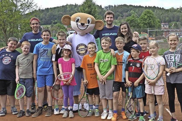 Kinder haben Spaß im Jugendcamp