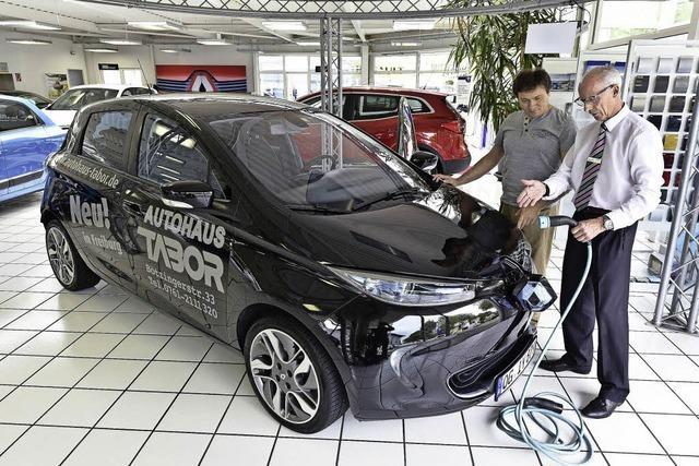 Neue Kaufprämie für E-Autos bewirkt bei Freiburgs Autohändlern bisher nur wenig