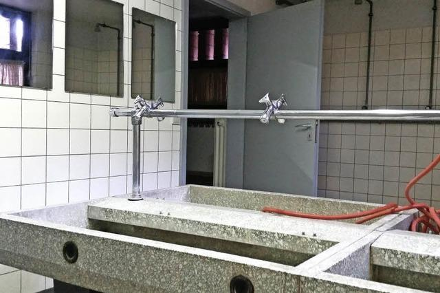 Neue Duschen für die Fridolinhalle