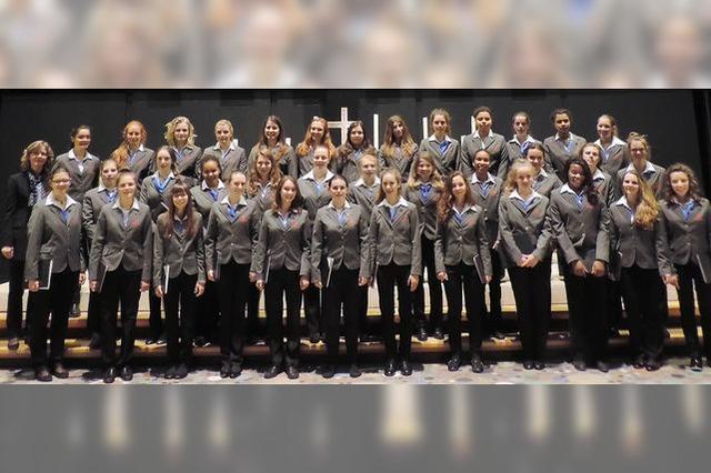 Mädchenkantorei aus Freiburg singt bei den Franziskanerinnen