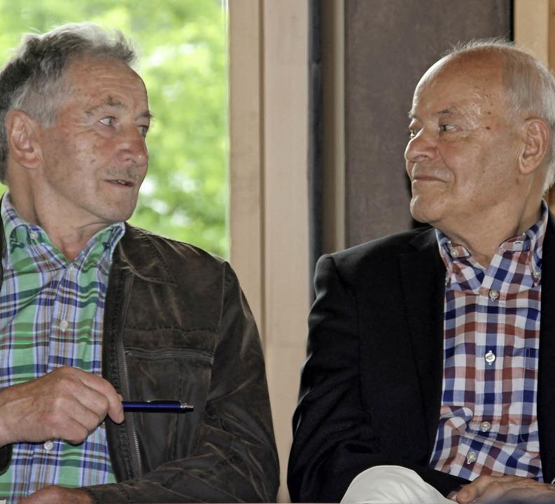 Zwei ehemalige Hirtenbuben: Bernhard Dorer (links) und Konrad Mayer  | Foto: René Bossert / Badischer Landwirtschafts-Verlag