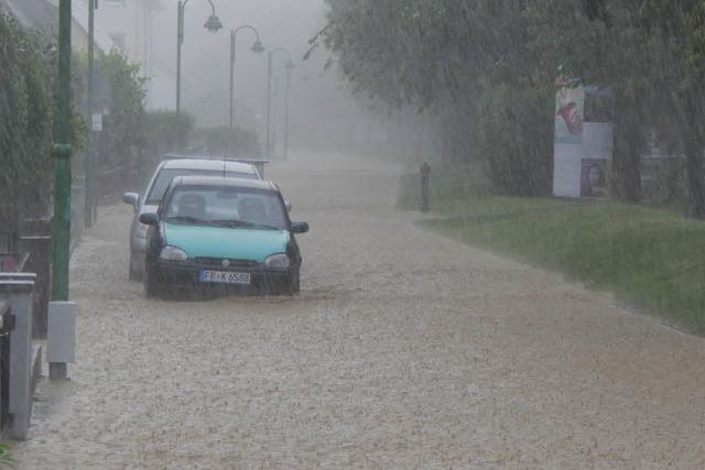 Nach Starkregen in Heitersheim: Rettungskräfte im Dauereinsatz