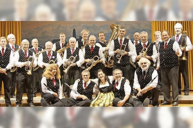Bötzberg Musikanten musizieren in Höchenschwand