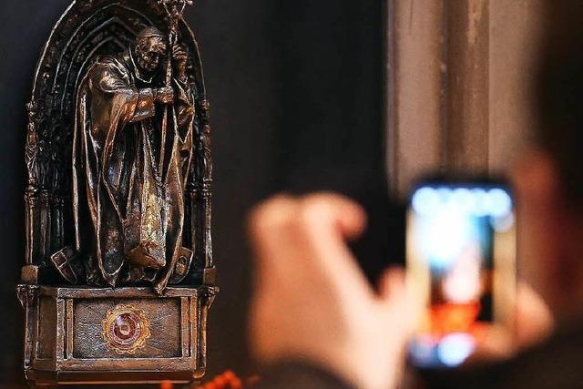 Reliquie von Johannes Paul II. aus Kölner Dom gestohlen