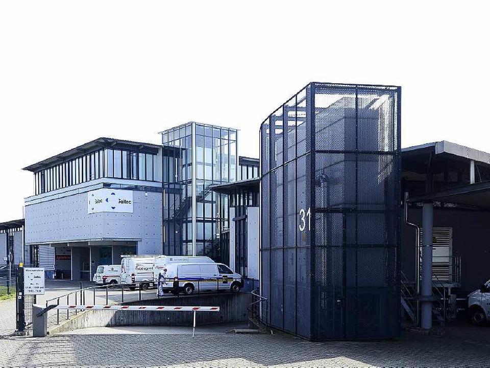 Im früheren Sitz der Firma Spectral wi...andeserstaufnahmestelle eingerichtet.   | Foto: ingo schneider