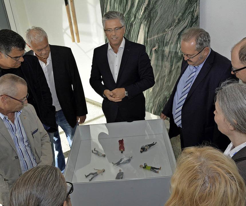 Michael Medweth erklärt den Mitglieder...eueste 3-D-Technik und den 3-D-Druck.   | Foto: Heinz Vollmar