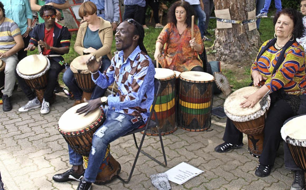Badon Sene gab in der Trommelgruppe den Ton an.   | Foto: Paul Schleer