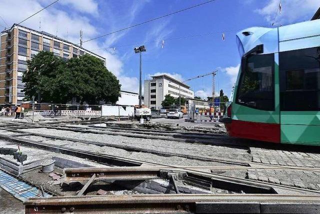 Freiburgs Straßenbahnen rollen jetzt wieder am Theater vorbei