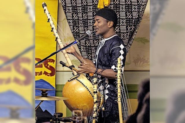 Musik entführt vom Dauerregen ins warme Afrika