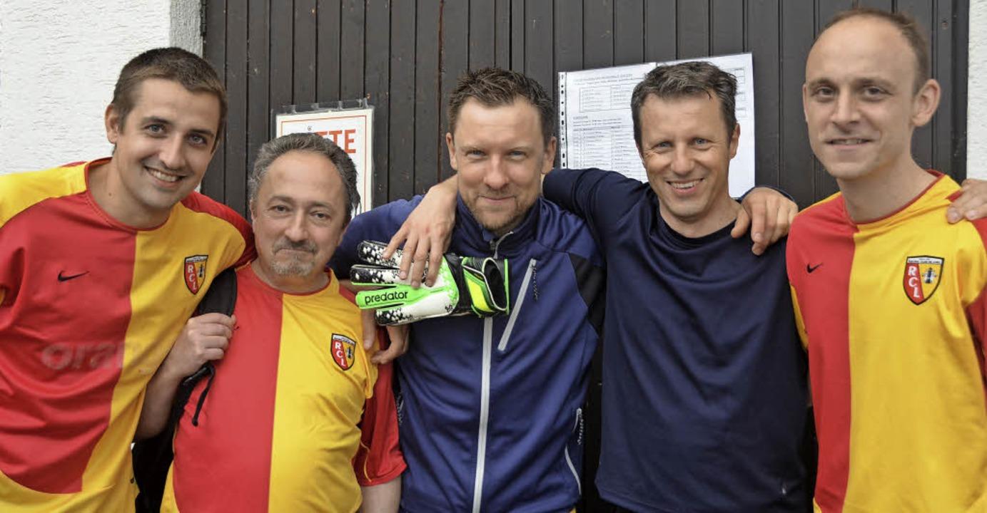 Spieler des Freizeitsportvereins Sölde...n das Vereinsturnier  der Sportwoche.   | Foto: Sofia Conraths/dpa
