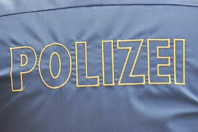 Mann bedrängt Jugendliche vor Lörracher Rathaus