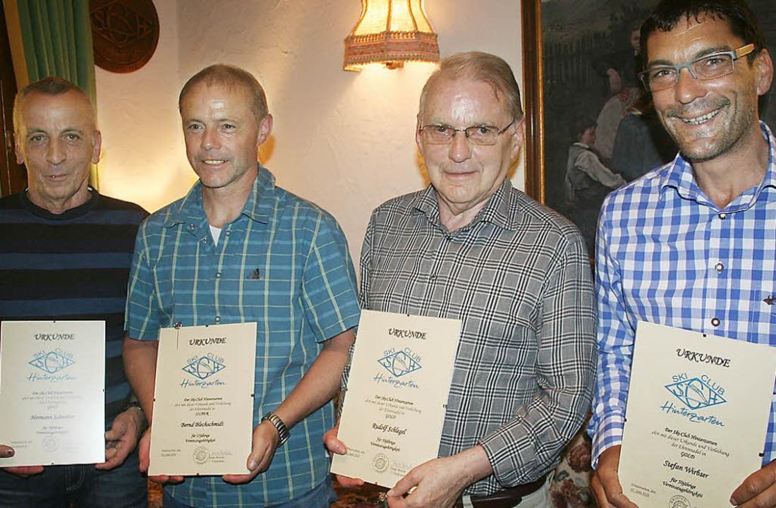 Treue Stützen des Skiclubs Hinterzarte...hlegel und Stefan Wirbser (von links).  | Foto: Dieter Maurer