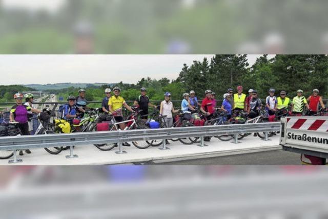 IG Velo testet neue Radbrücke
