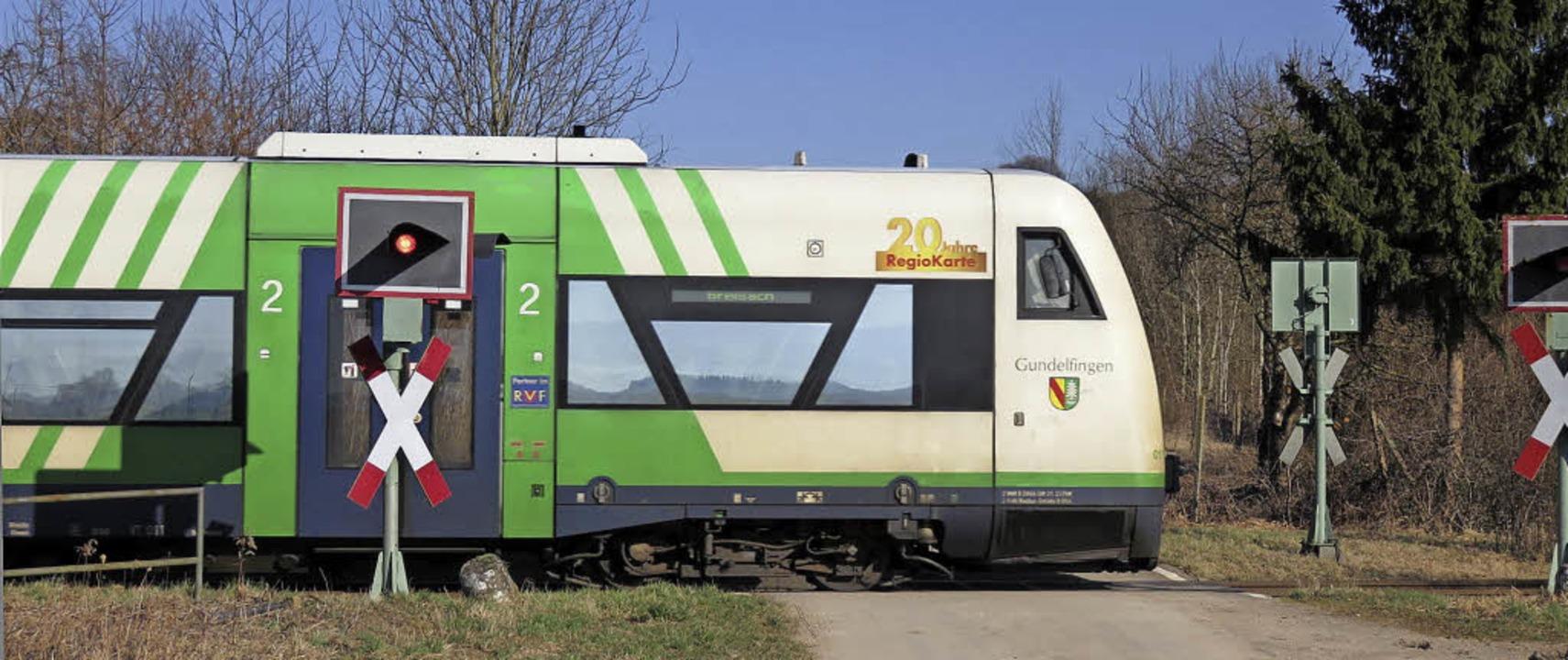 Die Breisgau-S-Bahn bei Breisach &#821...en Züge rechtzeitig auf die Schienen.     Foto: Agnes Porth