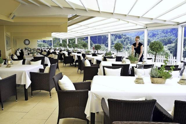 Panoramahotel in Freiburg ist jetzt runderneuert und hat eine eindrucksvolle Terrasse