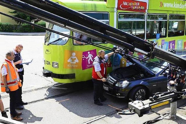 Straßenbahnunfall im Freiburger Westen – Tramstrecke nach einer Stunde wieder frei