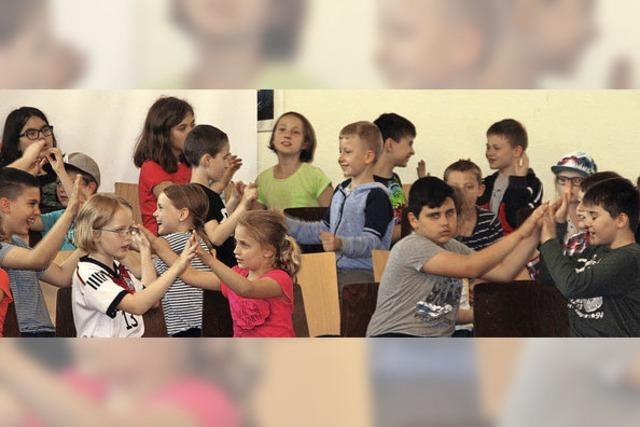 Grundschüler üben noch für ihren großen Auftritt