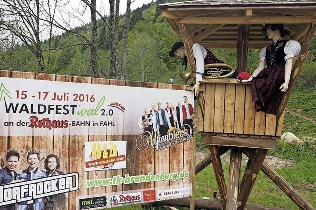 Dorfrocker, Alpenblech und Co. beim Waldfestival
