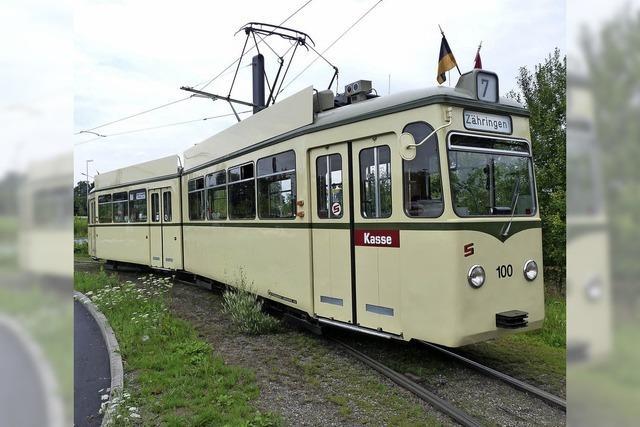 Die Oldtimerlinie 7 fährt wieder samt Tramcafé durch die Stadt