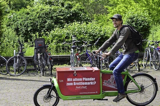 Die Stadt nutzt die Werbefläche auf den Transport-Rädern für alle