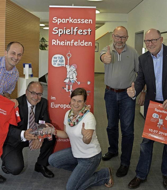Werben fürs Spielfest des TV Rheinfeld...a Heidemann, Thomas Rist und Hans Raab  | Foto: Heinz Vollmar