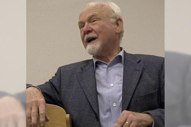 Konrad Kunze referiert bei Biengens 25-Jahr-Feier über Familiennamen