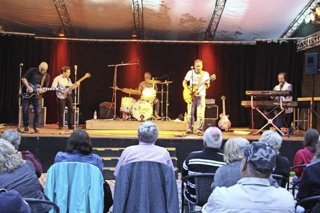 No Plastic Band eröffnete Veranstaltungsreihe im Weinstetter Hof