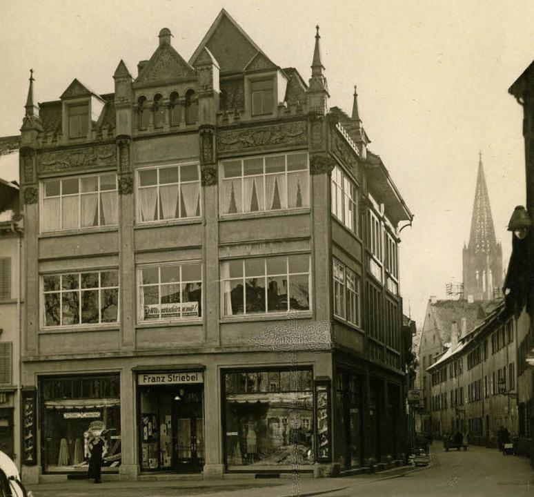 Das Bettenhaus auf einem Foto aus dem ...e und im Hintergrund den Münsterturm.   | Foto: Archiv Gallo
