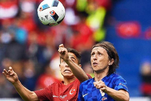 Volleytor von Modric: Kroatien feiert Auftaktsieg
