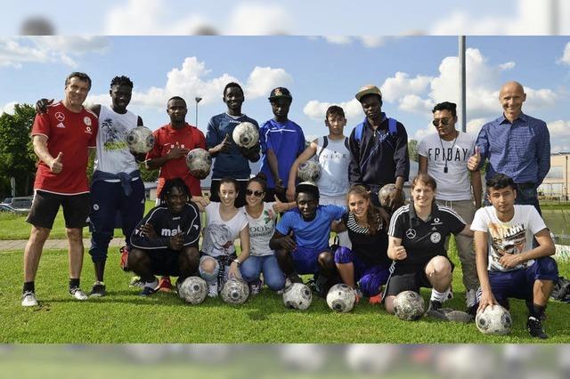 Profis trainieren Flüchtlinge
