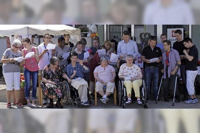 Die Behinderten-Wohngemeinschaft Haus March feiert 20-jähriges Bestehen