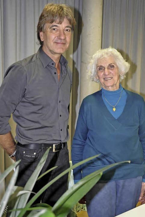 Eva Fahidi (90), Überlebende des Holoc...g, kommissarischer Leiter der Schule.   | Foto: Claus Bingold