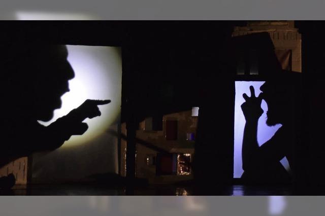 Lichte Momente mit Gesang und Schattenspiel