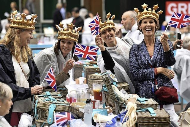 Queen feiert ihren 90. Geburtstag mit 10.000 Menschen