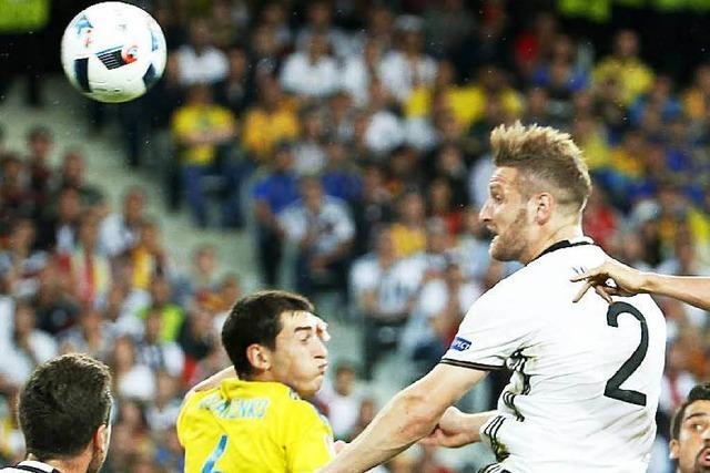 Deutschland besiegt Ukraine im ersten Gruppenspiel mit 2:0 – Auftaktsieg mit kleinen Schwächen