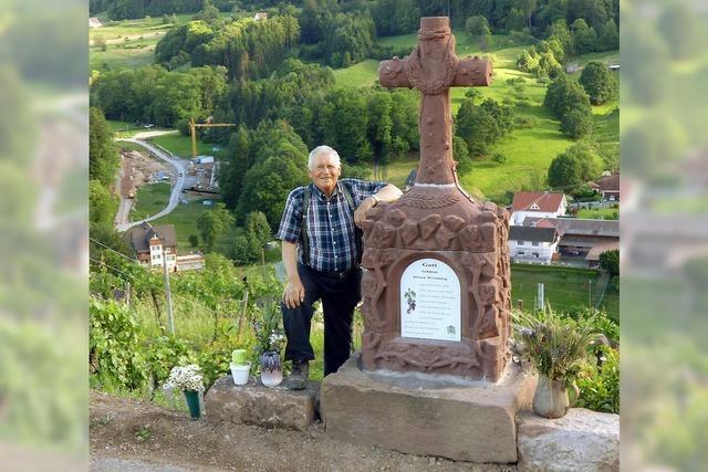Ein Steinkreuz in exponierter Lage