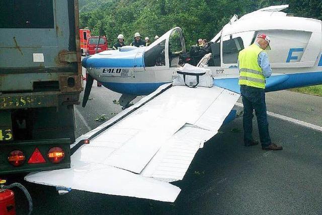 Pilot aus Basel landet Flugzeug auf der Autobahn