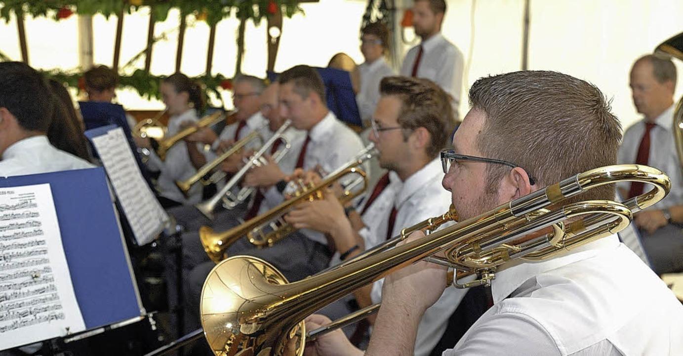 Musiker aus Königschaffhausen beim Tag der Blasmusik.   | Foto: Schweizer