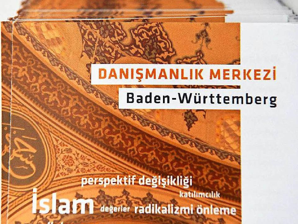 Faltblatt auf Türkisch  | Foto: dpa