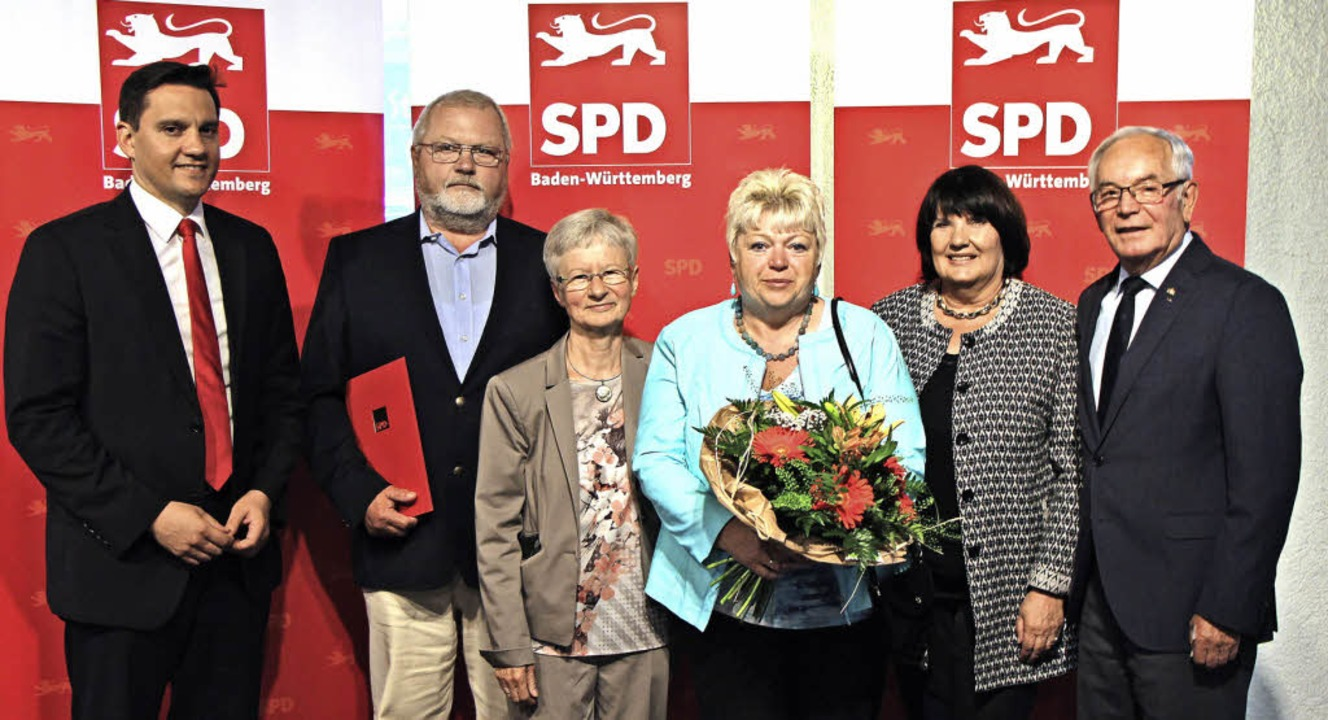 Langjährige Weggefährten gratulierten ...anig, Marianne Wonnay und Karl Nicola   | Foto: Helmut Hassler