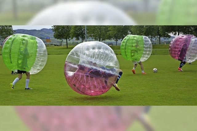 Fußball im Rundum-Airbag