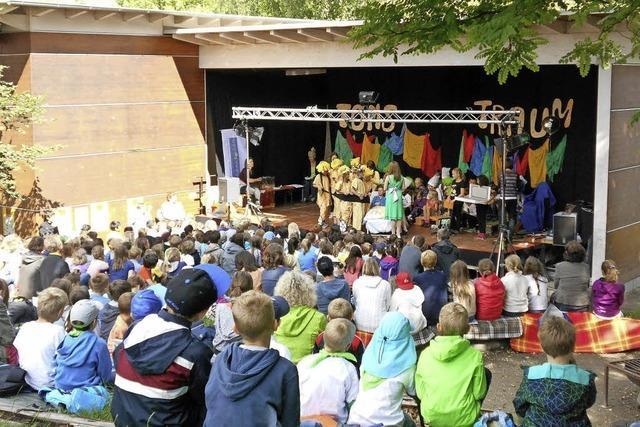 Viier Tage Theater von Kindern für Kindern bei