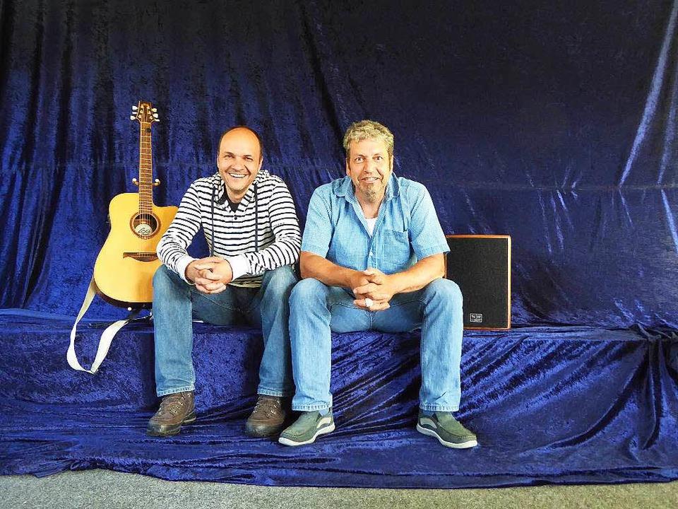 Roland Hensler (links) und Thomas Schw...gründen die Kleinkunstbühne Bubenbach.  | Foto: Peter Stellmach