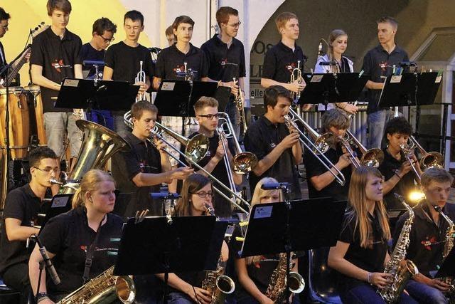 Big Band der Musikschule Schwarzwald gibt Konzert im Schloss Tiengen