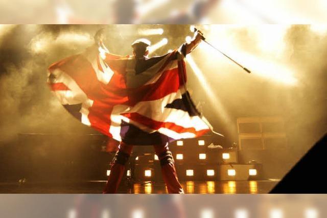 Queen Revival Band und Night Fever im Gewerbegebiet Emmendingen