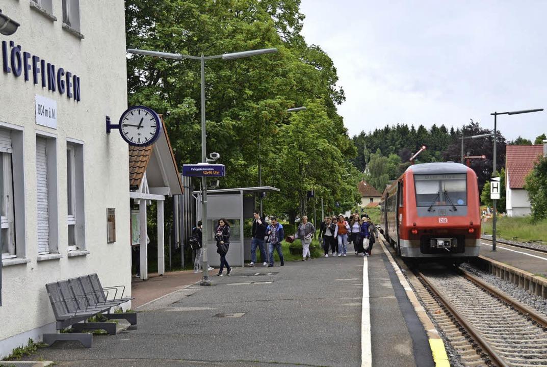 Der mittlere Bahnsteig am Bahnhof in L...eben das zweite Gleis verlegt werden.   | Foto: Martin Wunderle