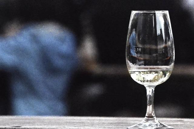 Eine Weinprobe in kleiner Runde