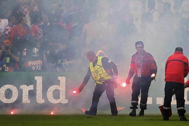 Kroatiens Skandalfans: UEFA ermittelt, Spieler geschockt