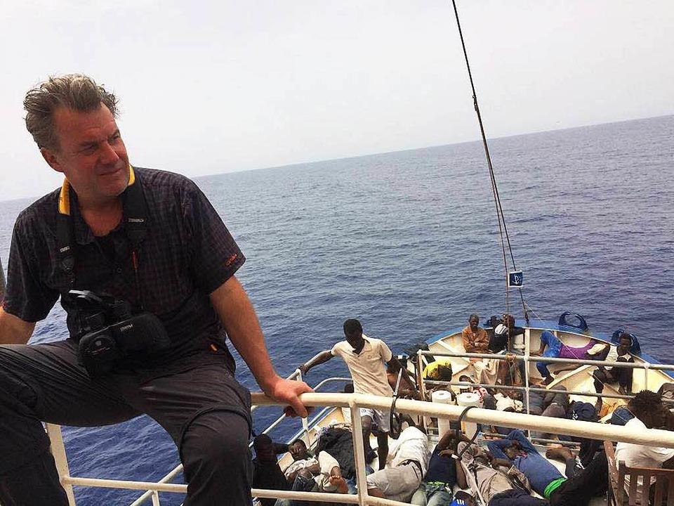 """Dieter Baumgartner bei seinem Hilfsein... Brücke der """"Sea Watch II""""    Foto: Dieter Baumgartner"""