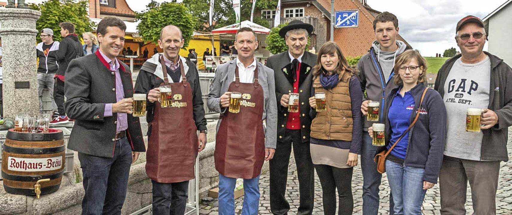 Freuen sich über eine gelungene Dorffe...z,  Anna Baschnagel und Markus Morath.  | Foto: Chris Seifried